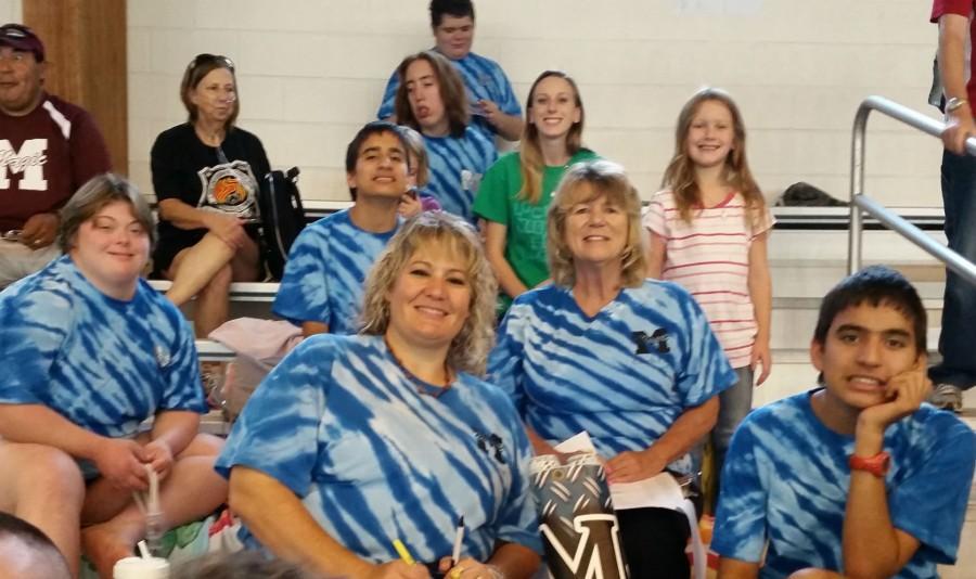 Magnolia Magic Swim Team and supporters
